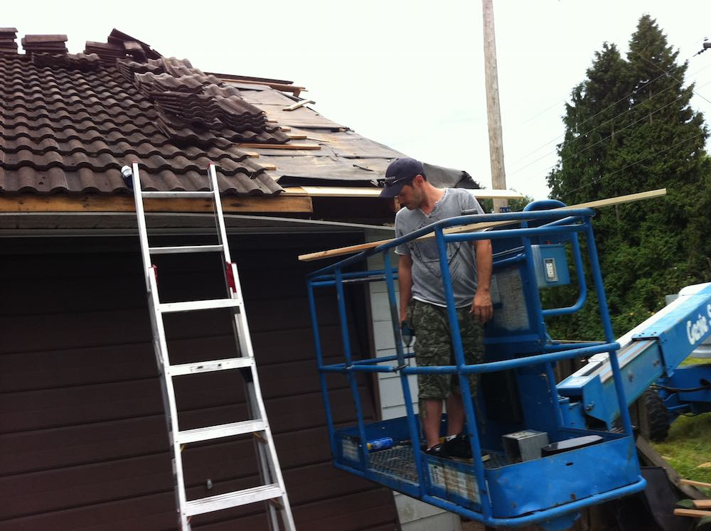 Surrey BC Roof and Hidden Gutter Repair | Before image