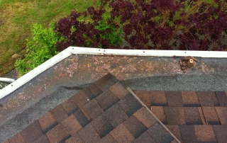 5 signs for gutter replacement - this hidden gutter system is misaligned and won't drain